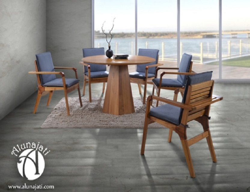 Contemporary Round Dining Table with Cushion
