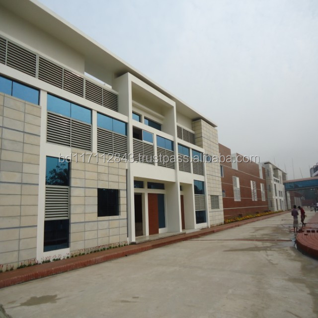 Long wide and free clear span prefabricated steel structure building