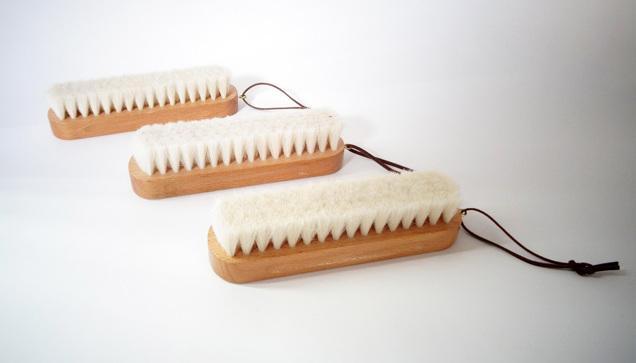 BEST QUALITY beech wood goat hair brush with more than 10 years experience
