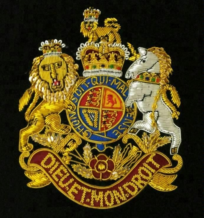 FAMILY CRESTS COAT OF ARM HERALDRY HAND EMBROIDERIES GOLD BULLION WIRE ITALY BROSSU
