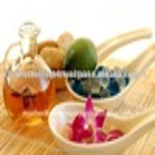 Suppliers of Fragrance Oil Natural Aroma Oil.