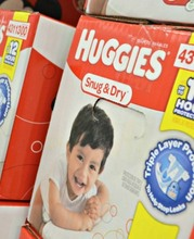 HUGGIES Snug & Dry Diapers Size 4, for 22-37 lbs (192 Count) Diapers,