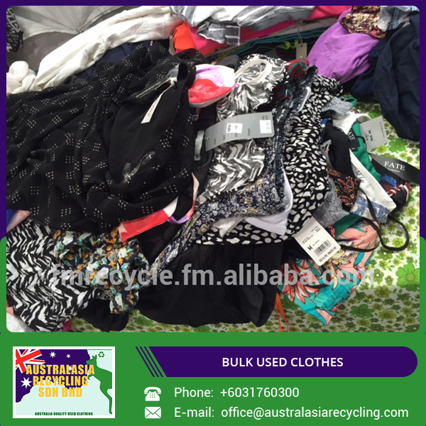 Low Price Cream Quality Used Clothes Available in Bales