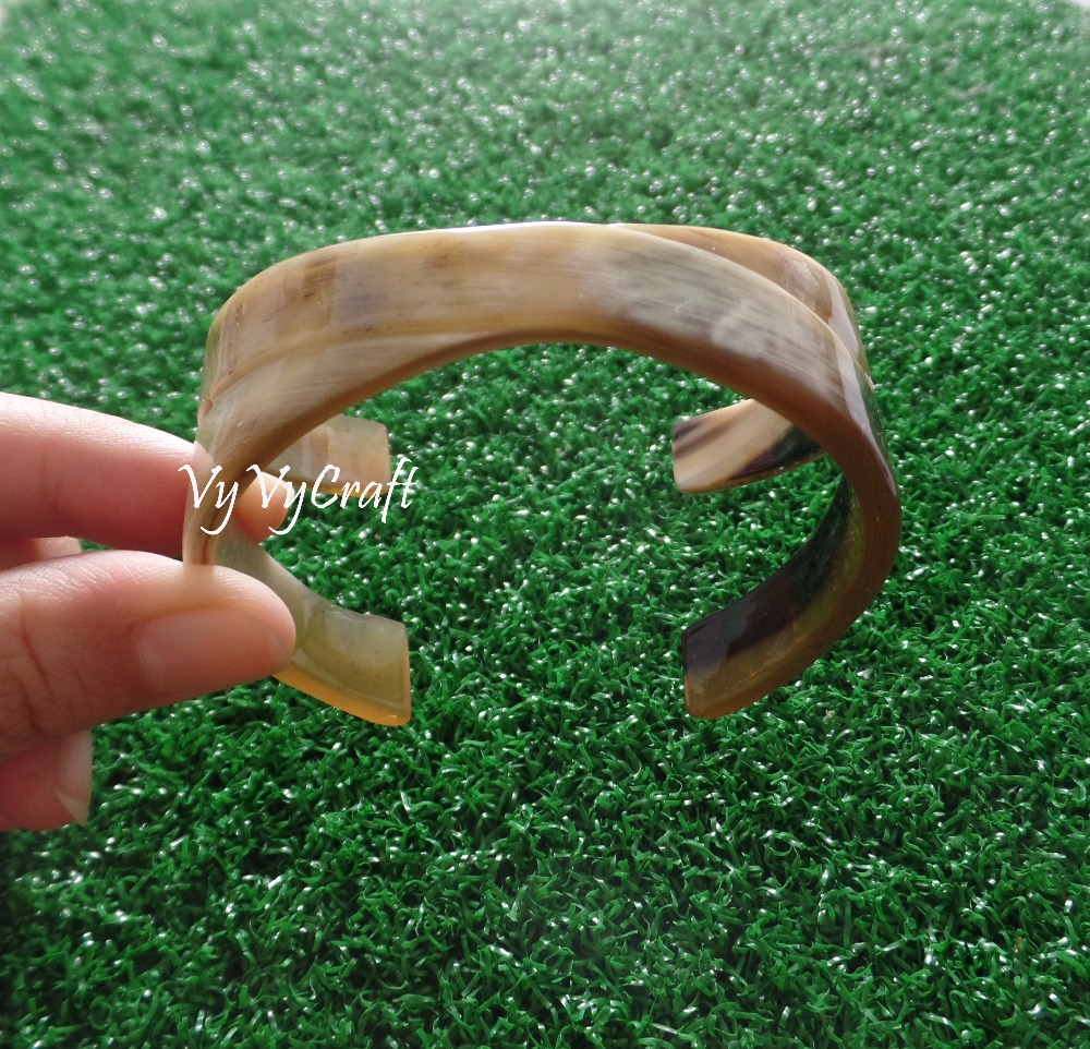 Nice Color High Quality Buffalo Horn Jewelry, Cuff Bracelet VC-092