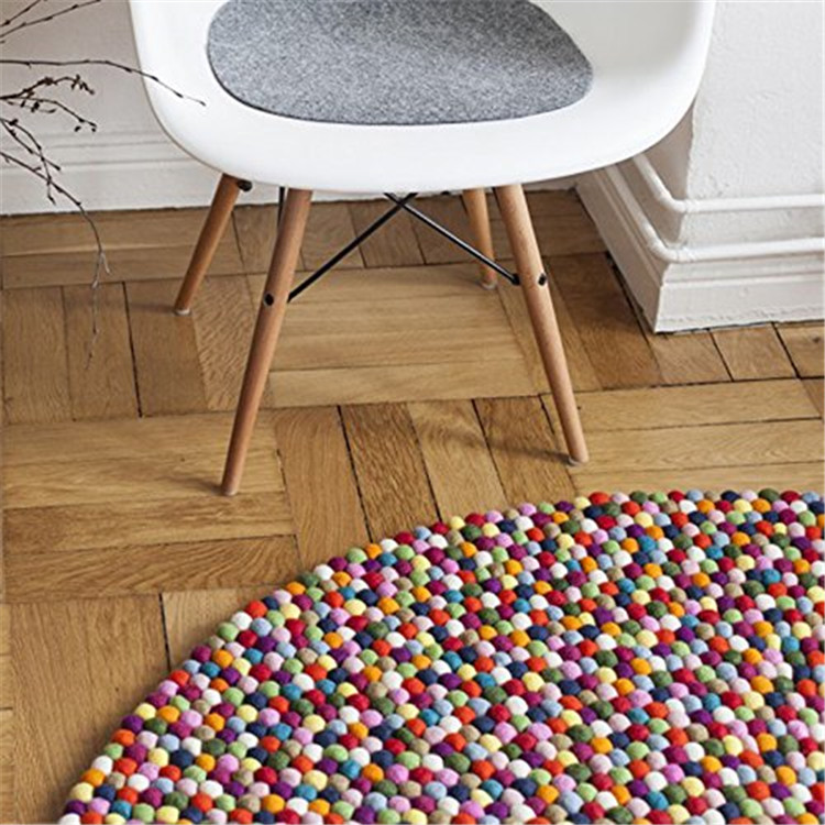 Nepal Manufacture High Quality Handmade Wool Felt Ball Mat