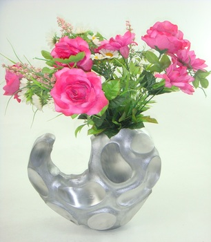 Home Decor Matt Finished Aluminum Flower Vase With Hammered Texture