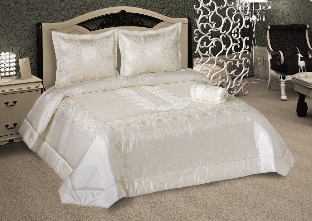 Lace Pearl Decorated 4 pcs Handmade Bedspread Bedcover Set Luxury Bedding Set