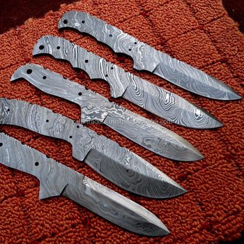 Custom made Damascus Hunting Blank knives (ZR188)