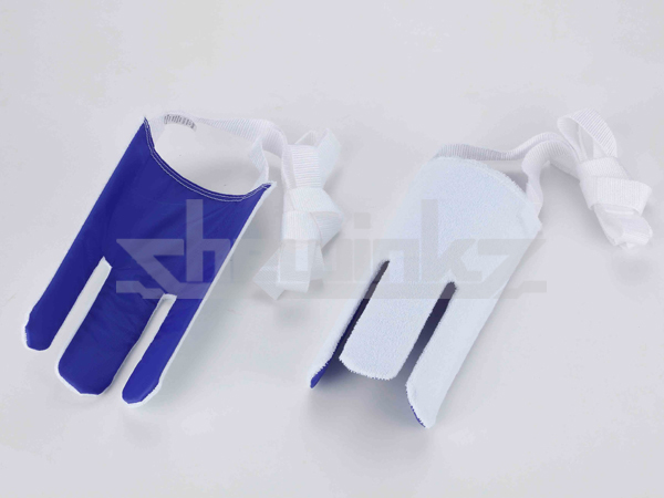 Health care easy wearing helper sock aid with garter clips