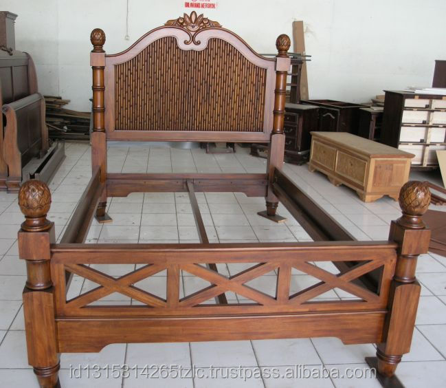 Mahogany Panel Bed with Bamboo Decorative accent
