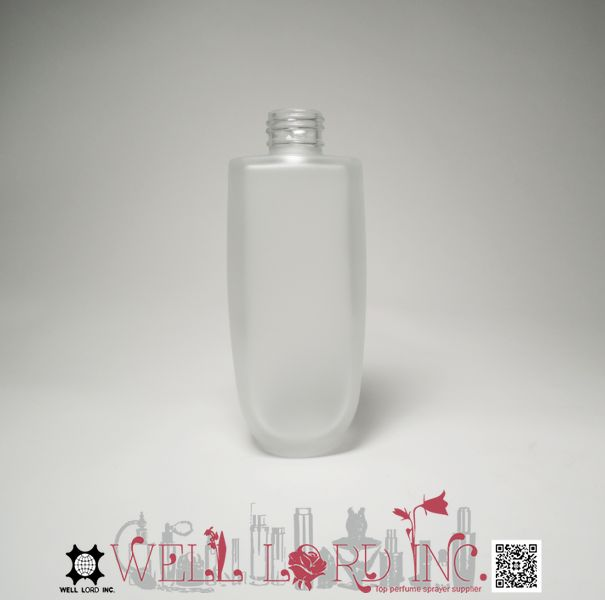 Easily dispense classic transparent 140ml glass cosmetics bottle pump