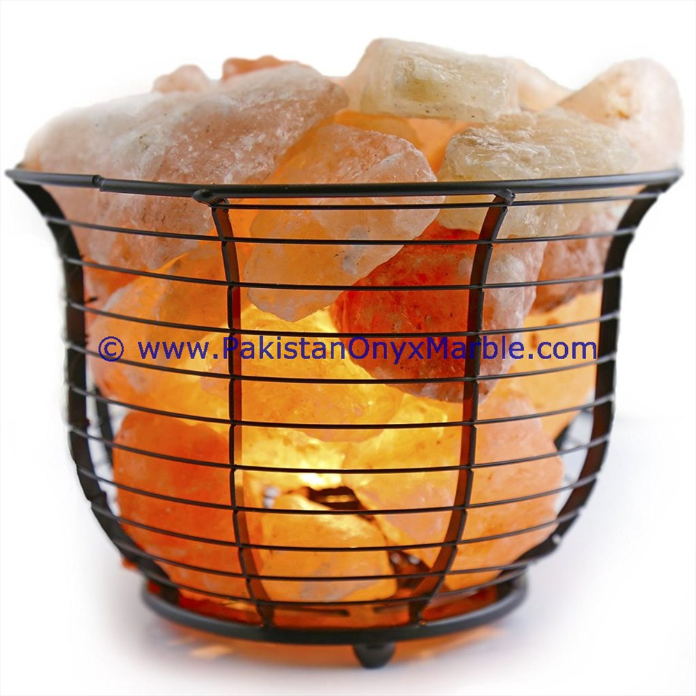 GOOD SALE BEAUTIFUL HANDMADE IRON BASKET WITH HIMALAYAN SALT CHUNKS