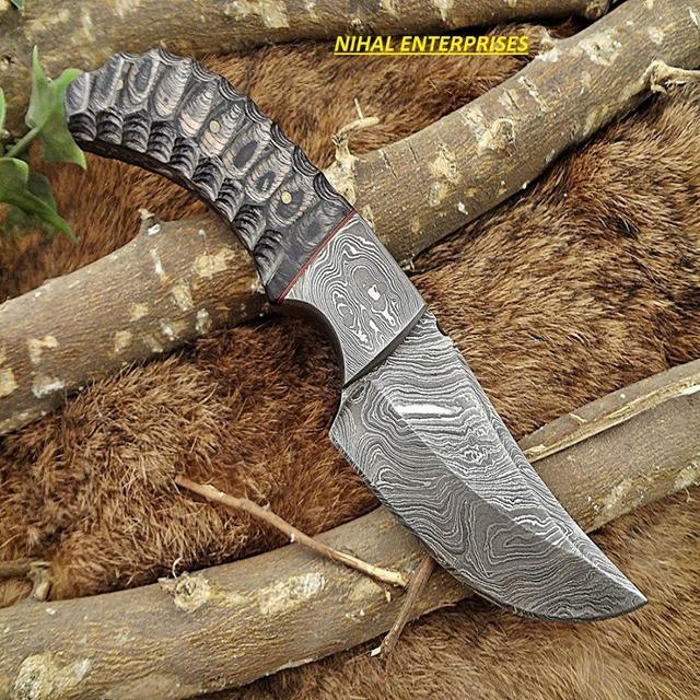 7.5 Black Dollar Sheet Damascus Steel Skinner Hunting Knife