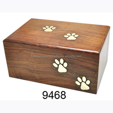 trade assurance factory wholesale eco-friendly solid wood Pet Cremation Urn For Sale