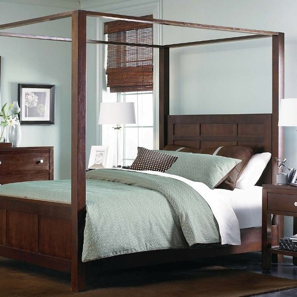 Fine Contemporary Solid wood 4 Poster Bed - Queen