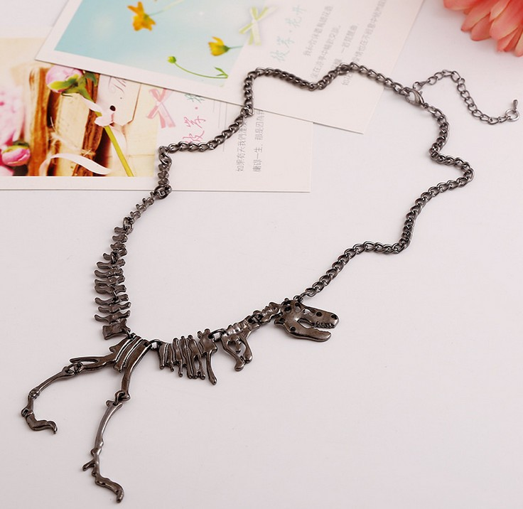 Hot Sale Goth Alloy Dinosaur Skeleton Dead Tyrannosaurus T-Rex Charm Necklace Choker Necklace For Women Jewelry Collars