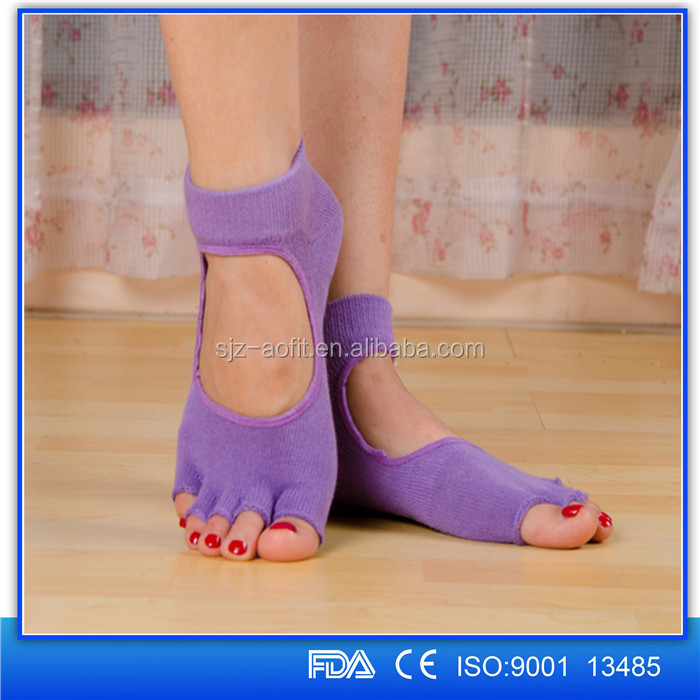 New style Five toe Cotton Kintted open toe non slip Yoga Pilates Sock