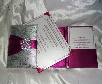 Best price Gatefold wedding silk invitations card folio Boxes brocade fabric invitation with letterpress printing for my wedding