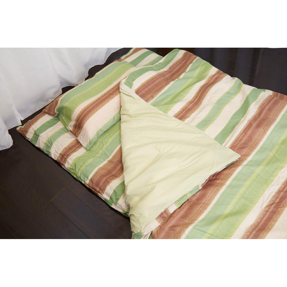 High quality OEM available natural styles quilted polyester cotton bed cover for wholesale