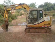 Used Kato HD307 mini excavator made in japan with good condition