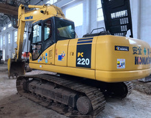 Durable Secondhand Machine original komatsu PC220-7 Excavator from Japan in yard for sale
