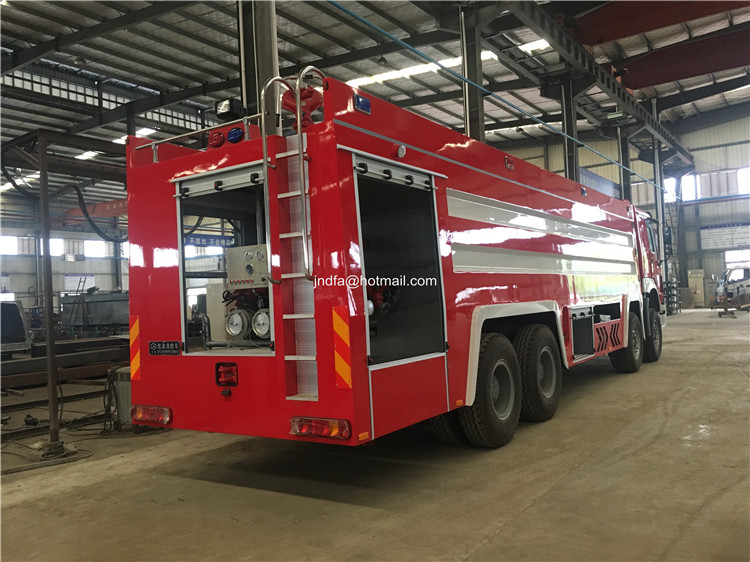 22 cbm fire engine6.JPG