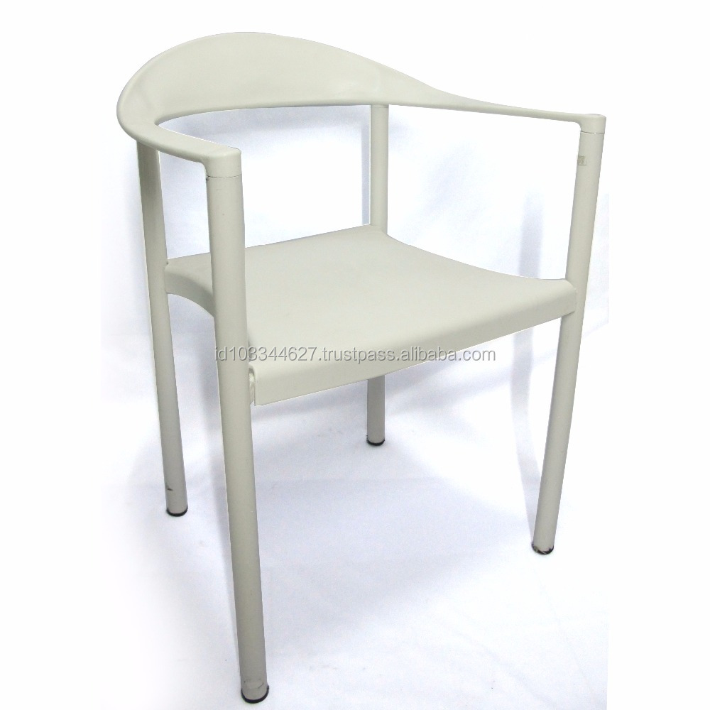 Stackable Plastic Chair with Iron Metal Chairleg