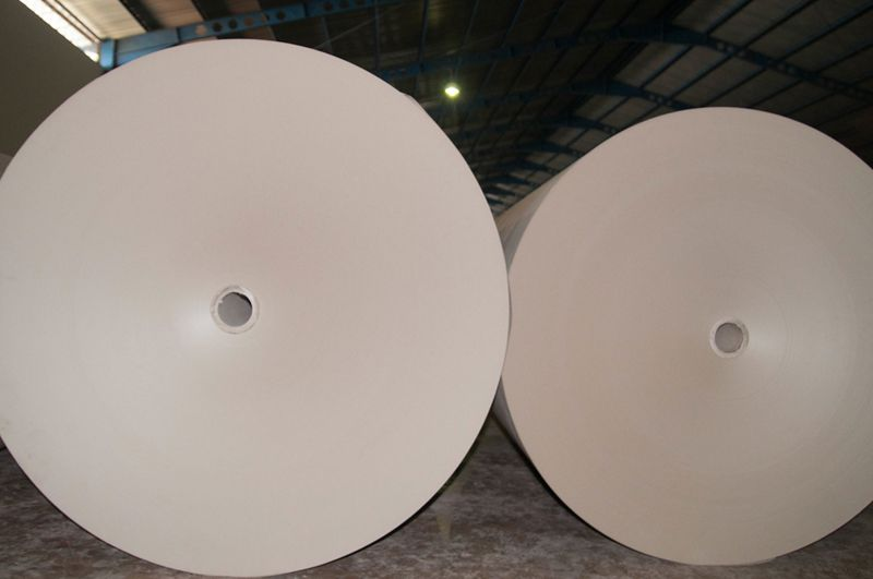 MEDIUM FLUTING PAPER ROLL