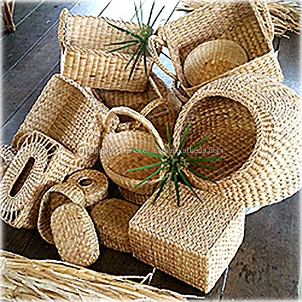 Export Oriented Beautiful & Fancy Handicrafts Made of Jute