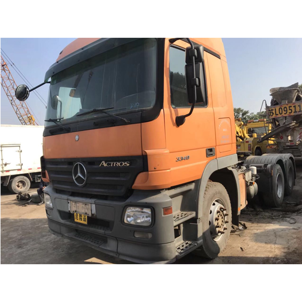 Mecerdes Actross tractor truck for sale .