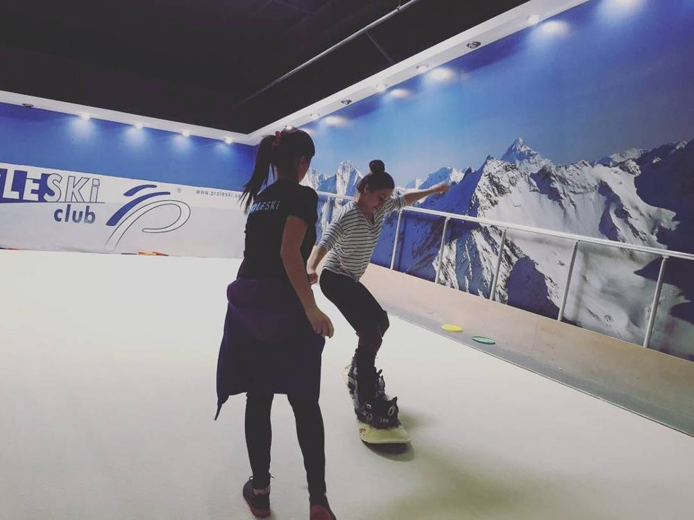 Infinite revolving ski slope for winter sports training Gym equipment Buy in Germany Proleski indoor snowboard and ski simulator