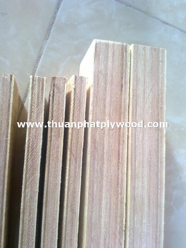 THUAN PHAT SUPPLIER LOW PRICE LVL PLYWOOD/LAMINATED VENEER LUMBER WITH E1 GLUE