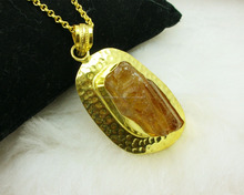 Gold Plated New Arrival Gemstone Rough Bear Quartz Pendant Wholesale Jewelry