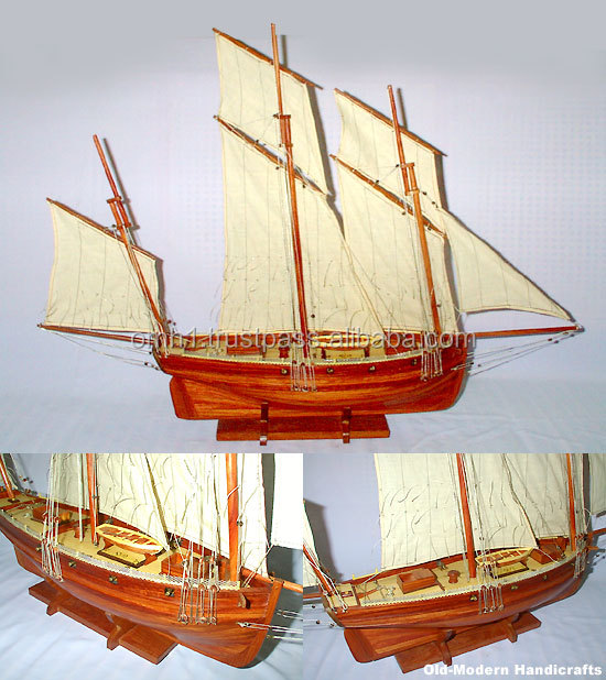 Le Coureur Model Wooden Fishing Boats