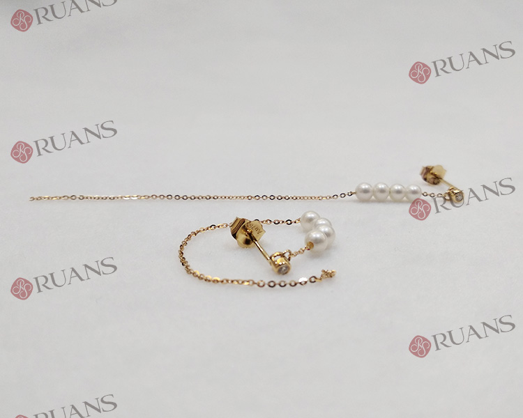18K Gold  Pearl Earring With Diamonds