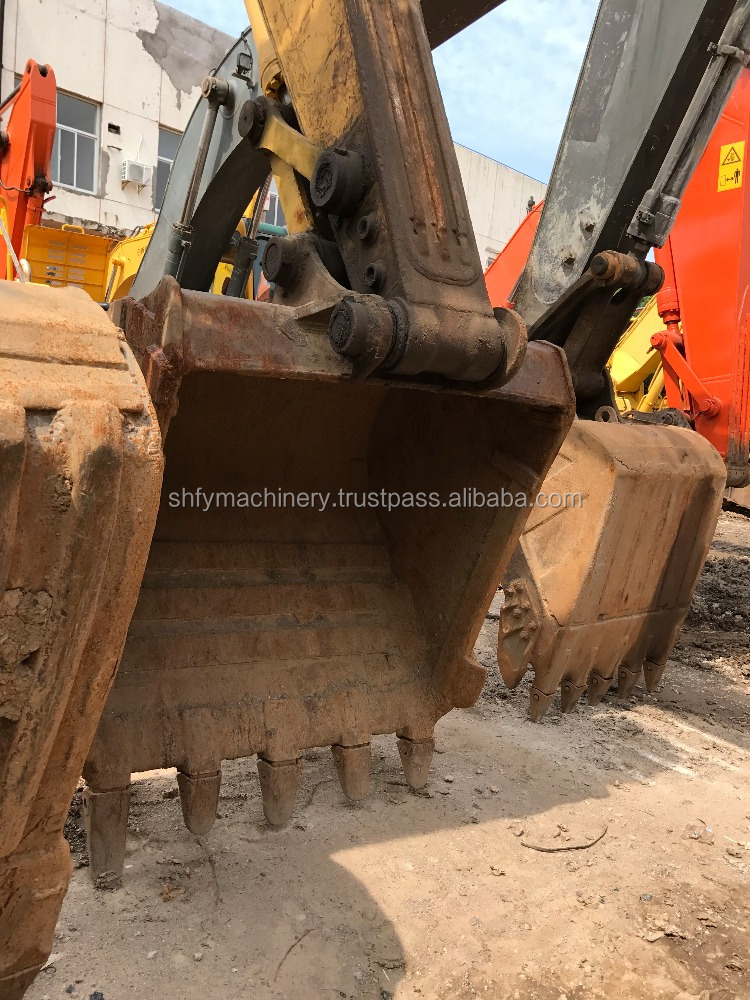 Hot sale komatsu PC220-7 excavator located in shanghai