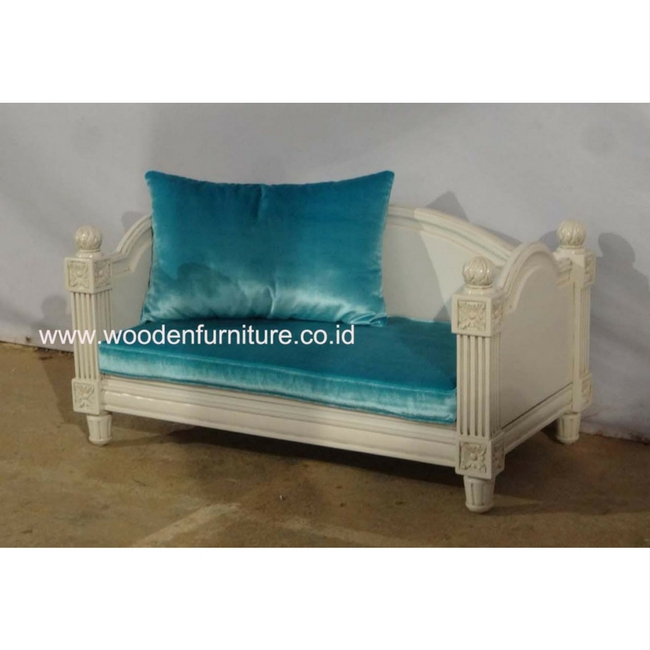 French Style Dog Sofa Pet Accessories Antique Cat Bed Classic Dog House European Style Dog Bed