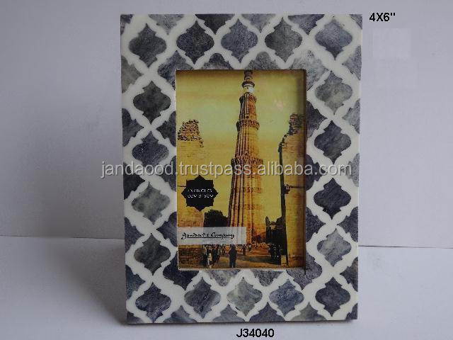 Resin Mosaic Photo Frame with black patterns on white back ground