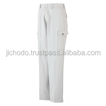 High quality cargo pants made with 100% cotton at appealing prices. Made by Japan