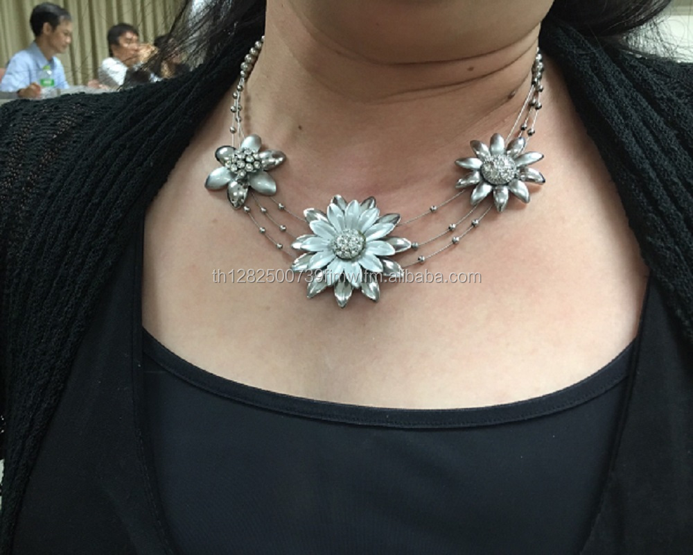 High Quality Fashion and Unique Flower Handmade Silver Necklace for Women
