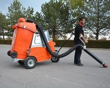 100 % Electric Industrial Sweeper / industrial floor cleaning machine