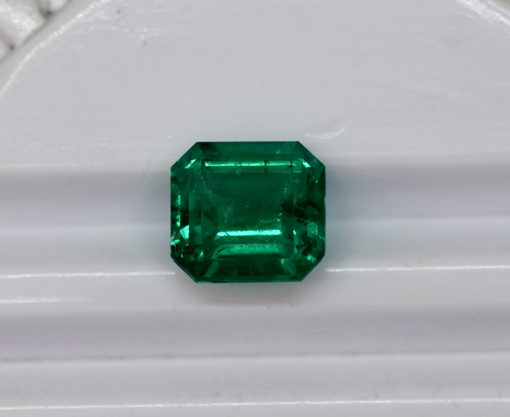 "10.15 cts Emerald Stone Colombian emerald ""Quality Superior"""