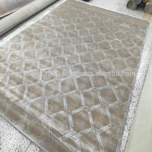 Latest Design Latest with Technology made Hand made Knotted Carpet