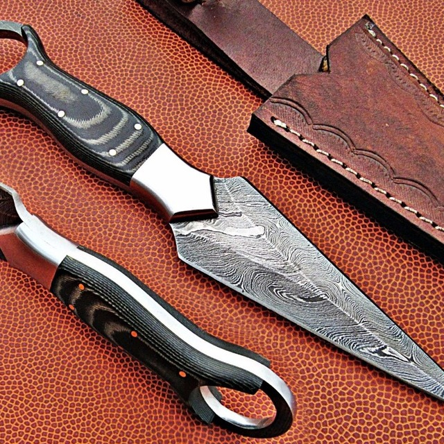 Damascus Steel Hunting bowie knife with
