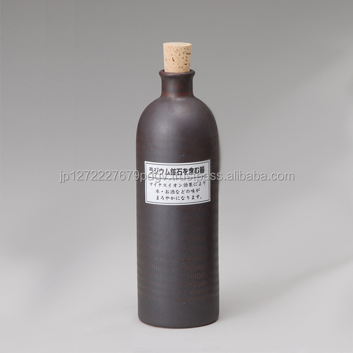Factory price food grade color 720ml ceramic beverage tall wine bottles for sale