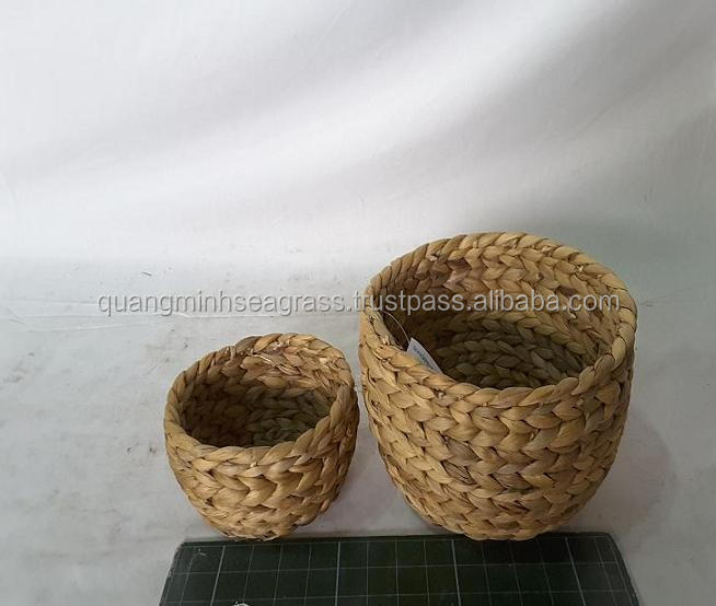 Natural water hyacinth fruit bowl high quality straw pet bowl safety handmade wicker bread bowl