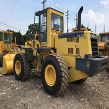 Running condition 5 ton load Japanese used komatsu wa320 wheel loader for sale in Shanghai site