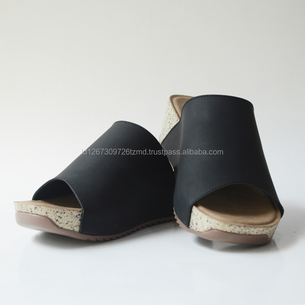 Yongki Komaladi Factory Direct High Quality Heel Flip Flop Slippers And Sandal For Women