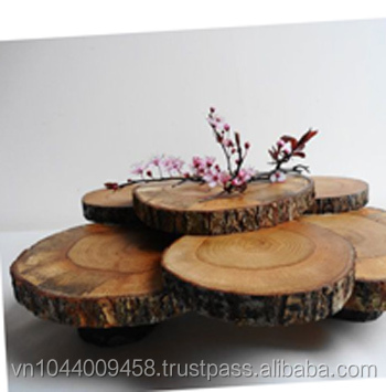 WOOD SLICES CUPCAKE STAND