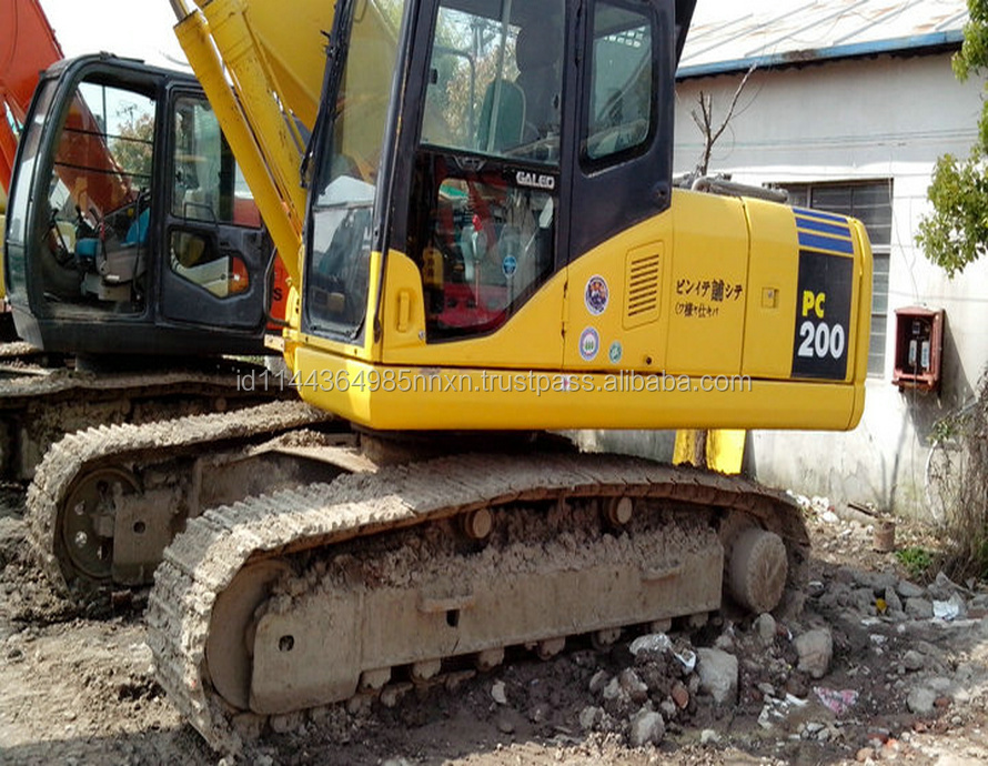 PC200-7 KOMATSU JAPAN Original japan made hitachi used excavator for sale in shanghai